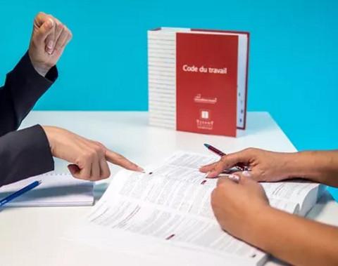 一个月上28天班可以申请劳动仲裁吗
